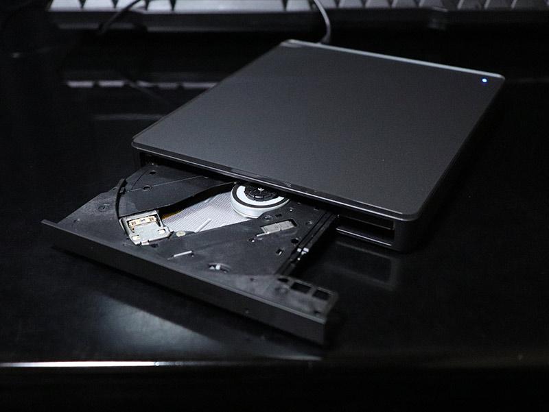 DVDミレル DVRP-W8AI2のディスクトレイ