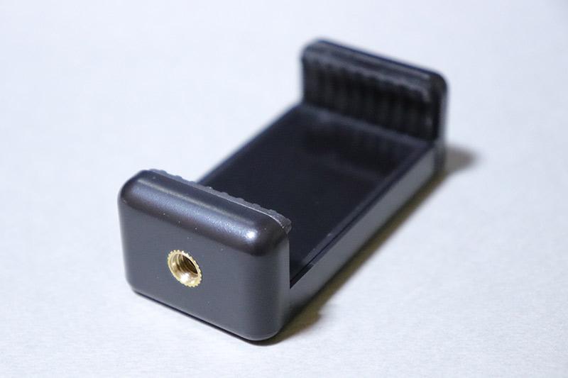ビデオライト接続用のエツミのスマホホルダー SH-3