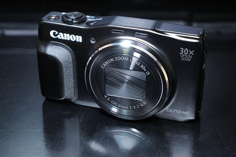 ビデオライト MOMAN 96LEDを使って色温度高めで撮影した作例
