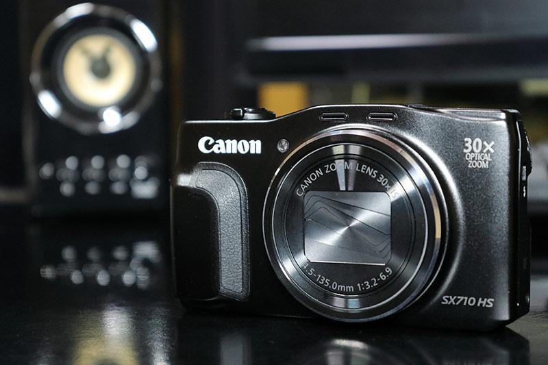 ビデオライト MOMAN 96LEDを使って色温度低めで撮影した写真