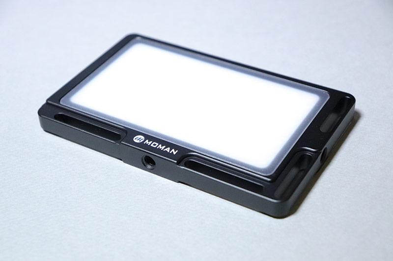 電式の小型ビデオライト MOMAN96LEDのおすすめポイント