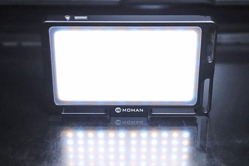 平均演色評価数96以上のビデオライト MOMAN 96LED