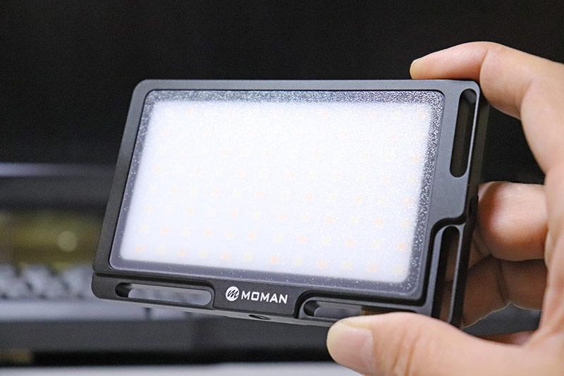 室内の物撮りにおすすめな獣電式小型ビデオライト MOMAN 96LED