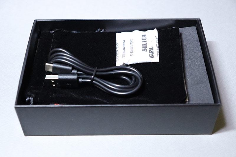 小型ビデオライト MOMAN 96LED充電用のUSB Type-Cケーブル