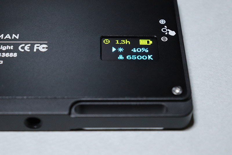 色温度6500Kに設定したビデオライト MOMAN 96LED(MFL-03)