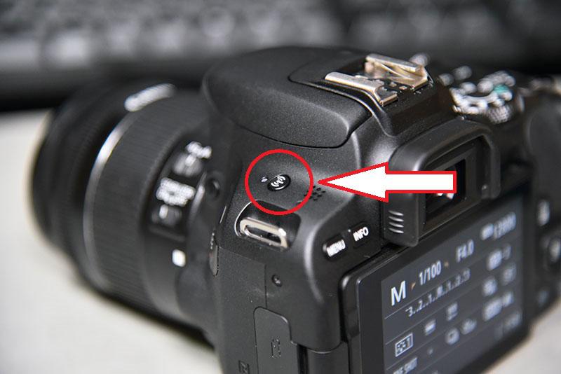 canon eos kiss x9のWi-Fi接続ボタン