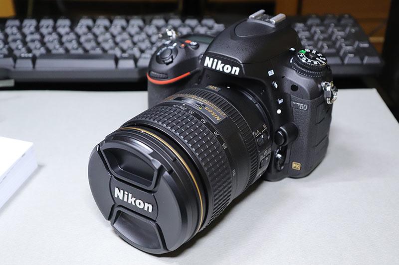 AF-S NIKKOR 24-120mmレンズを装着したNikon D750