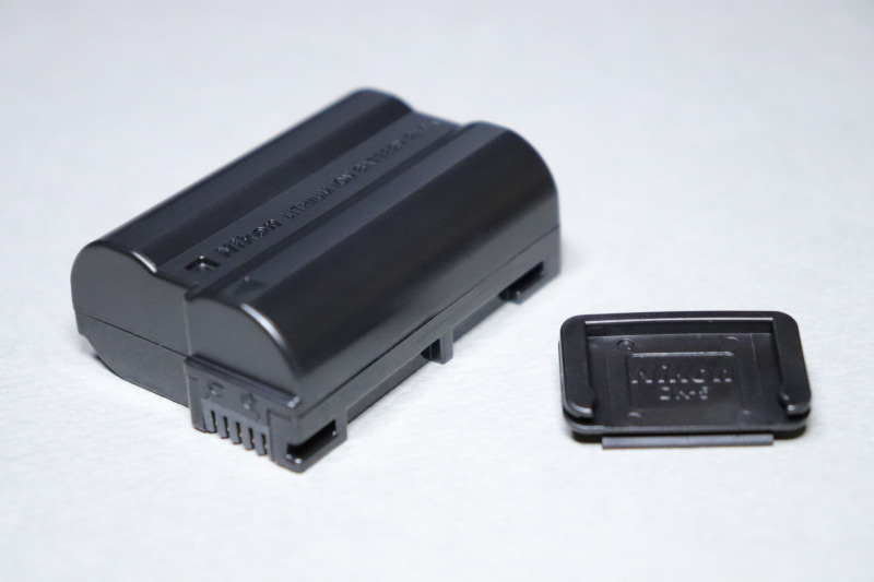 Nikon D750用バッテリー EN-EL15とアイピースキャップDK-5