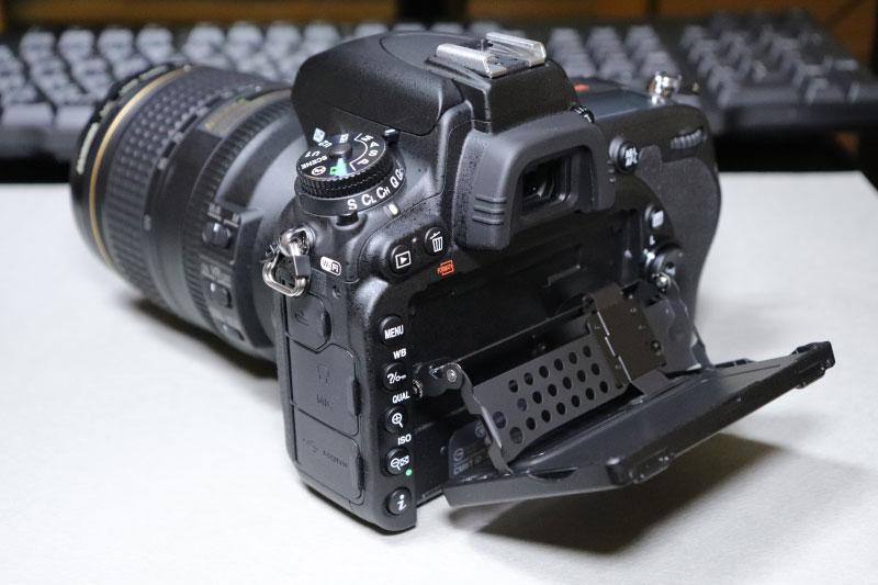 ハイアングルにしたNikon D750のチルト式液晶モニター