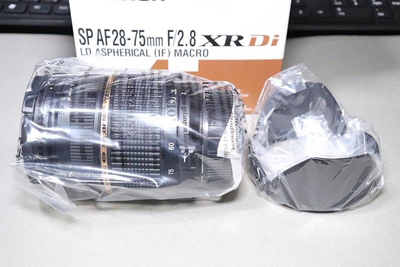 タムロン 28-75 F2.8 ズームレンズとレンズフード