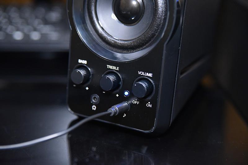 マルチメディアスピーカー MM-SPL6BKのAUX入力ジャック