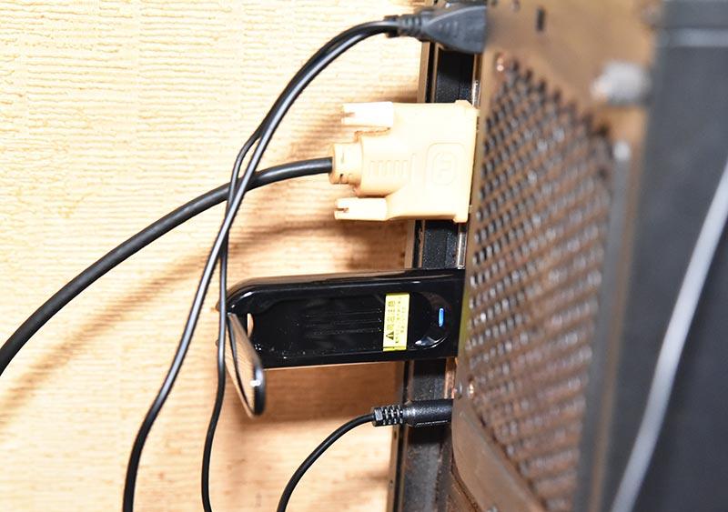 パソコンに接続した無線ラン子機 アイ・オー・データ WN-AC867U