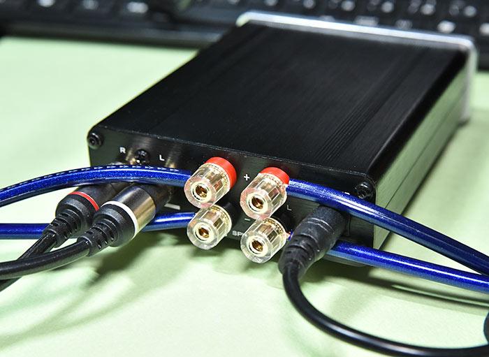 小型アンプ FX-2020A+customとスピーカーの接続方法