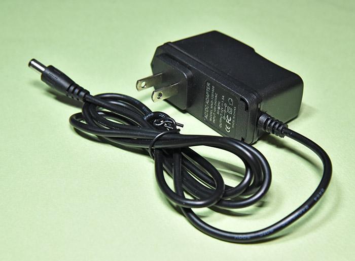 DAC-X6 PRO ヘッドホンアンプの電源アダプター